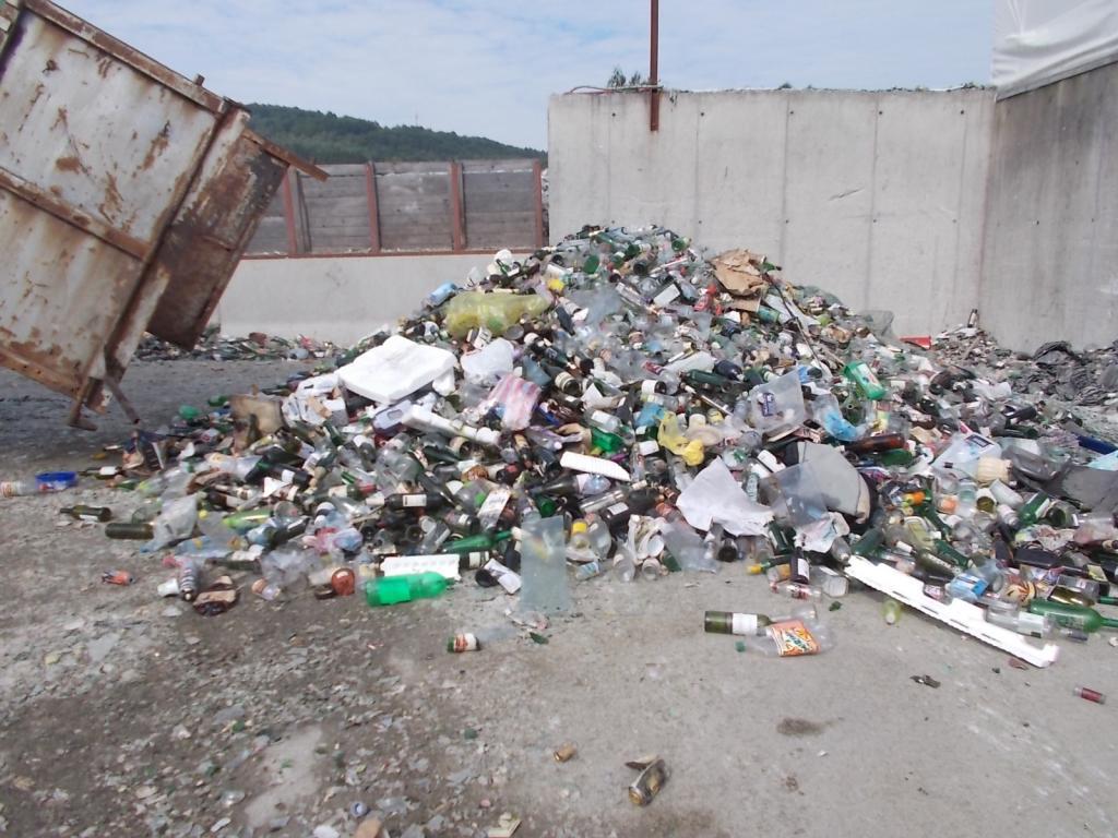 Špatně tříděný odpad - sklo